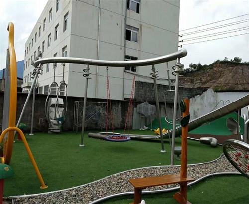 小区游乐设施